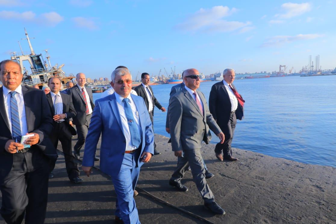 محطة تداول الأخشاب بميناء الاسكندرية