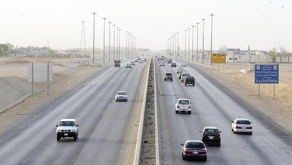 صيانة وتوسعة حارة ثالثة بطريق القاهرة - الفيوم