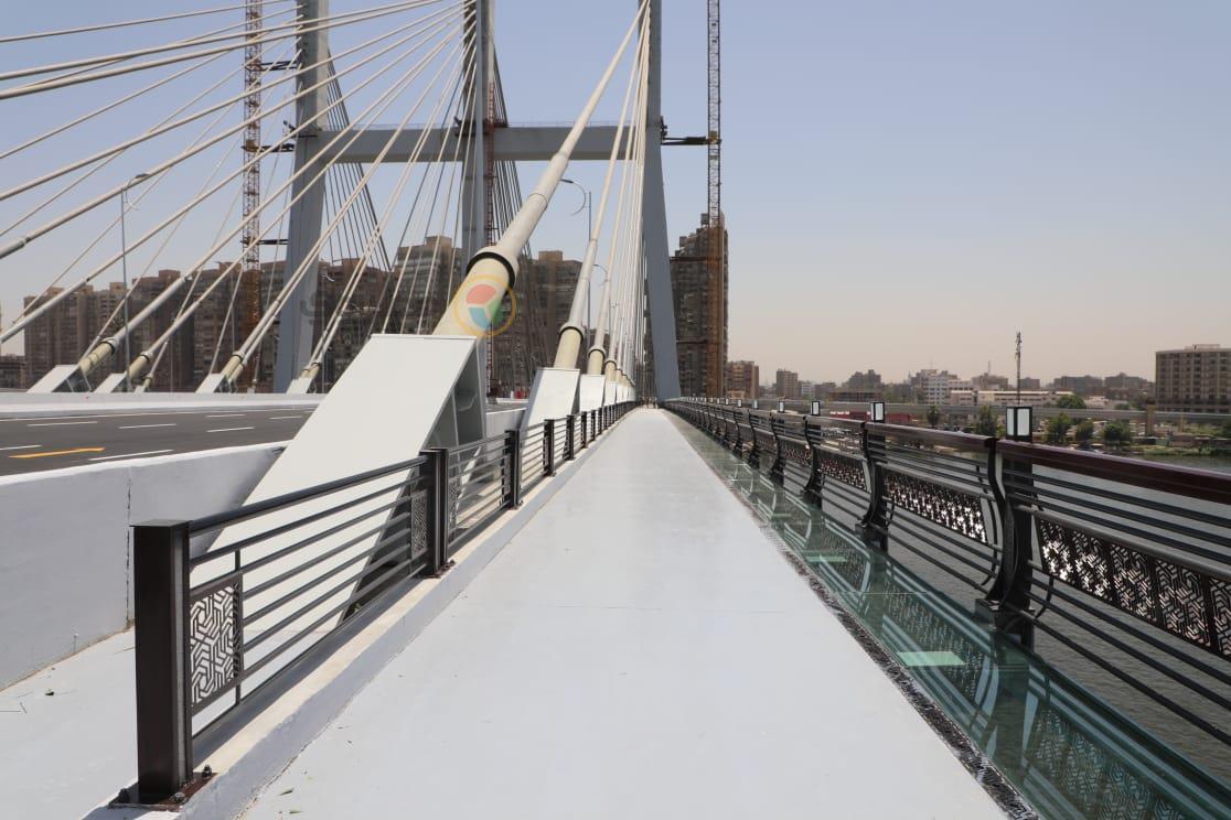 الممشى الزجاجى بجسر تحيا مصر