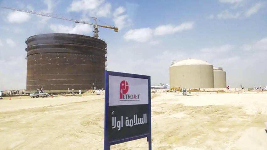 محطة الصب السائل لتموين السفن بمحافظة السويس