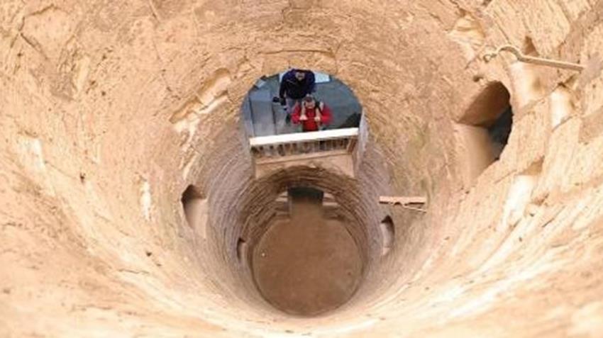 تطوير وخفض منسوب المياه الجوفية بمقابر كوم الشقافة